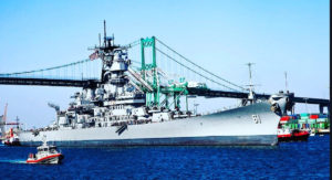 battleship iowa arriving to port of la